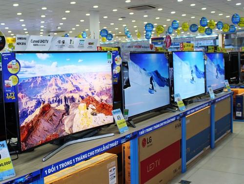 Các mẫu tivi có giá trên dưới 9 triệu đồng được nhiều người mua.