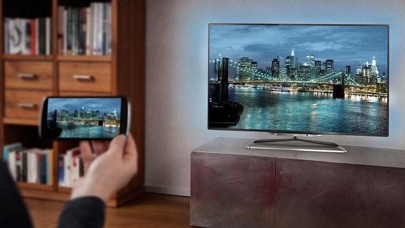 Làm thế nào để truyền hình ảnh từ điện thoại lên tivi?
