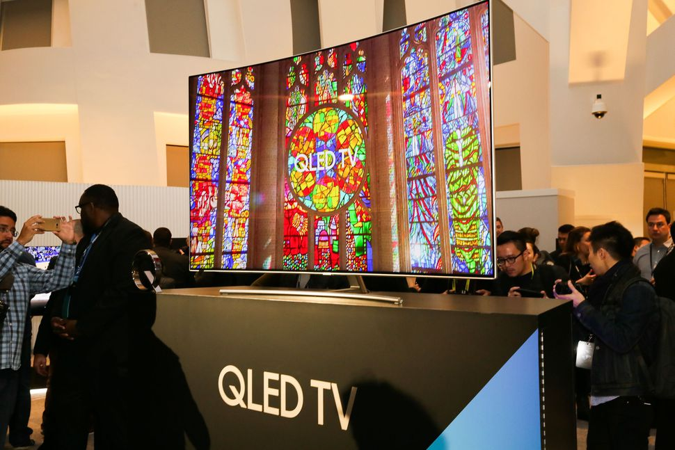 Samsung giới thiệu TV QLED 2017 ở Mỹ