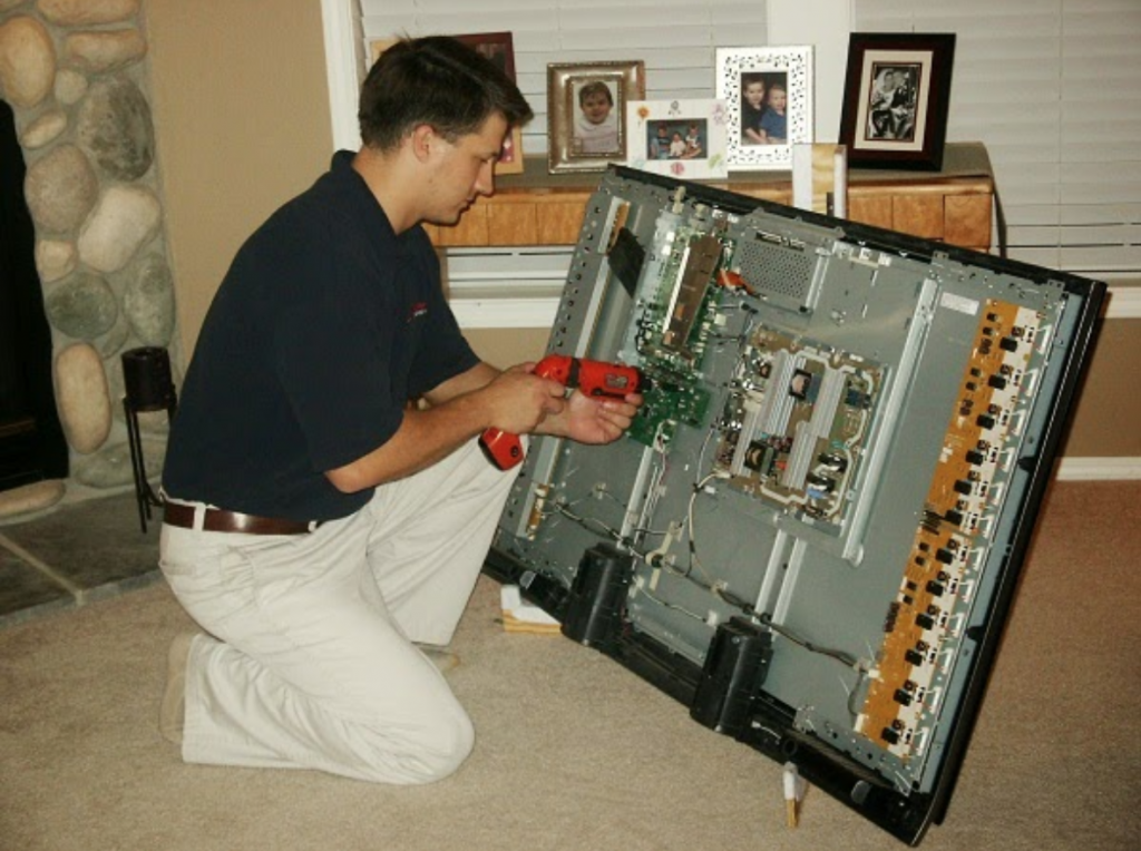 Sửa tivi tại nhà phùng khoang