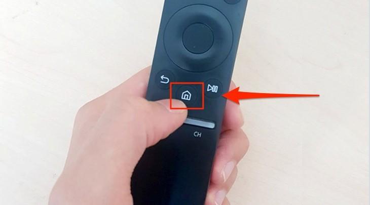 Cách đăng nhập tài khoản Samsung Account trên tiviđể tải ứng dụng - Chọn biểu tượng ngôi nhà