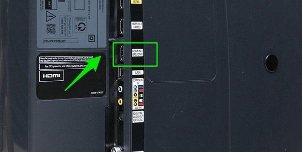 Kết nối qua cổng HDMI là phương pháp phổ biến nhất